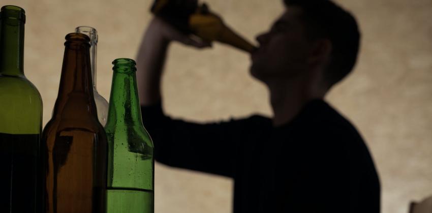 Parroquia invita a ayudar para que alcohólicos superen adicción